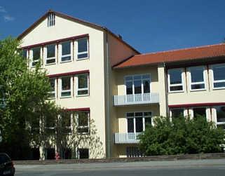 Klassenzimmertrakt am Glockenberg